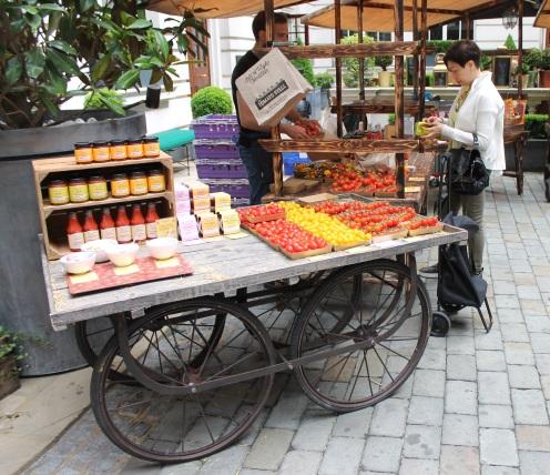 Slow Food & Living Market
