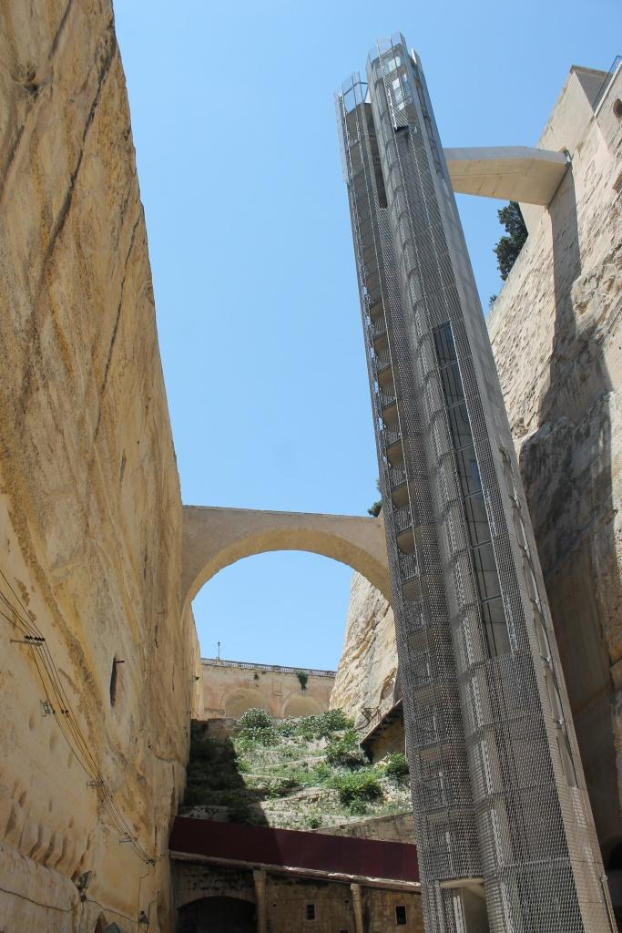 Barakka, lift, Valletta, Malta